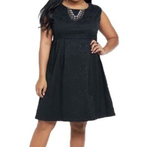 Torrid Plus Size NEW 16 Black Brocade Shift Dress